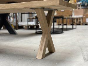 houten x poot salon